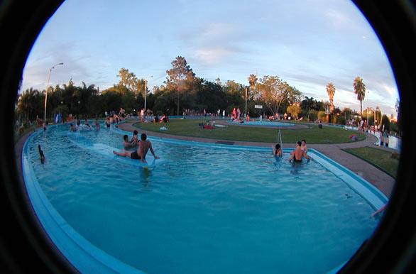 Piscina de ozono fotos de salto archivo wu 972 for Ozono para piscinas